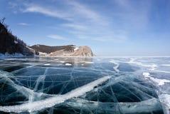 Hermosas vistas del invierno del lago Baikal Imagenes de archivo