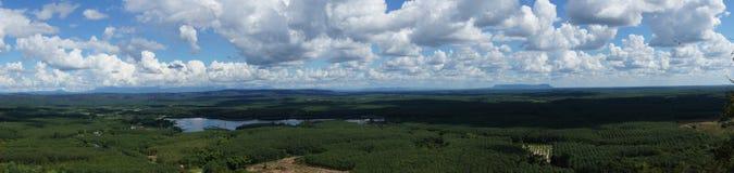 Hermosas vistas en el top de la montaña Fotos de archivo libres de regalías