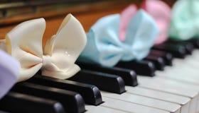 hermoso lindo de la primavera del brillo de la cinta del teclado de piano Fotografía de archivo libre de regalías