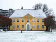 Herningsholm slott i Danmark Arkivbilder