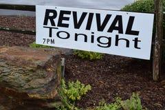Heroplevings vanavond 7PM Teken Royalty-vrije Stock Afbeelding