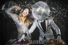 Herr och mrs discoball arkivfoton
