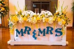 Herr und Frau Bride und Bräutigam Wedding Table Stockfoto