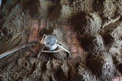 Herramienta de la bomba concreta en la acción Imagen de archivo libre de regalías
