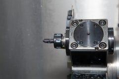 Herramienta de la torrecilla en el CNC de la máquina Imagen de archivo
