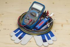 Herramienta eléctrica del aparato de medición del multímetro fotos de archivo