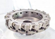 Herramienta para corte de metales que muele industrial con el parte movible del cortador del carburo Foto de archivo libre de regalías