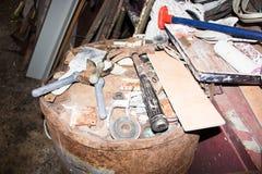 Herramienta vieja en el garaje Imagen de archivo