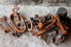 Herramientas aherrumbradas del hierro imagen de archivo libre de regalías