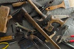 Herramientas arenosas de la mano Fotos de archivo libres de regalías
