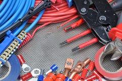 Herramientas, componente y cables eléctricos Imagen de archivo