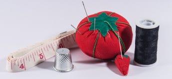 Herramientas de costura básicas Fotografía de archivo libre de regalías