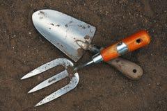 Herramientas de jardín - fork y paleta Foto de archivo