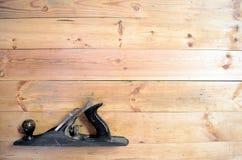 Herramientas de la carpintería - avión de la mano imagen de archivo