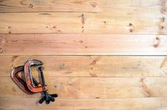 Herramientas de la carpintería - G Calmps fotos de archivo