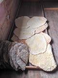 Herramientas de la cocina en una panadería sueca vieja de la comunidad Fotografía de archivo