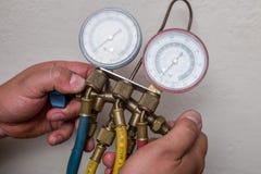 Herramientas de la HVAC del reparador de la manitas fotos de archivo libres de regalías