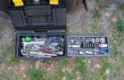 Herramientas de la mano para la reparación del borde de la carretera del coche Imagen de archivo libre de regalías