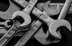 Herramientas de las llaves inglesas del metal Imágenes de archivo libres de regalías