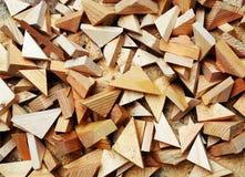 Herramientas del carpintero en la tabla de madera con la opinión superior del lugar de trabajo del carpintero del serrín Imágenes de archivo libres de regalías