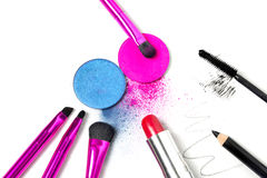 Herramientas del maquillaje - cepillos, sombras de ojos, lápiz labial, rimel y lápiz de ojos Imagen de archivo libre de regalías
