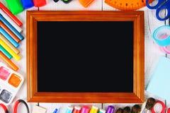 Herramientas del marco y de la escuela alrededor Fotografía de archivo libre de regalías