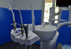 Herramientas del taladro de la silla de los dentistas Imágenes de archivo libres de regalías
