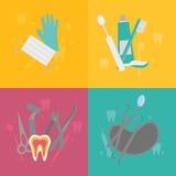 Herramientas dentales aisladas del logotipo Dentista Care y tratamiento médico Sistema de la estomatología Imágenes de archivo libres de regalías