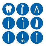 Herramientas dentales aisladas del logotipo Dentista Care y tratamiento médico Sistema de la estomatología Foto de archivo libre de regalías