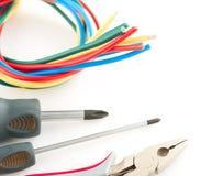 Herramientas eléctricas en el fondo blanco Foto de archivo