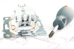 Herramientas eléctricas en el fondo blanco Imagenes de archivo