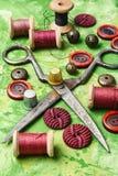 Herramientas hechas en casa para coser y la costura Imágenes de archivo libres de regalías
