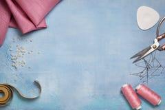 Herramientas para coser la visión superior Imagen de archivo