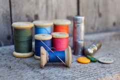 Herramientas para coser y hecho a mano Fotografía de archivo libre de regalías