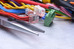 Herramientas para el electricista y los cables Imagen de archivo