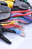 Herramientas para el electricista y los cables eléctricos Foto de archivo