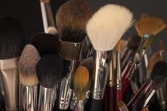 Herramientas para el maquillaje Conjunto de cepillos del maquillaje Imagenes de archivo