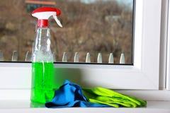 Herramientas para limpiar ventanas Fotos de archivo libres de regalías