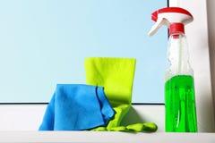 Herramientas para limpiar ventanas Imagenes de archivo