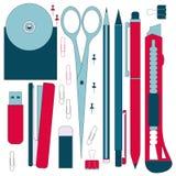 Herramientas planas de los efectos de escritorio, sistema de la pluma Pluma, lápiz, tijeras, colección Las plumas vector el siste Foto de archivo