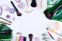 Herramientas profesionales del maquillaje Fotos de archivo
