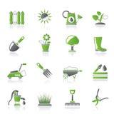 Herramientas que cultivan un huerto e iconos de los objetos Imagenes de archivo