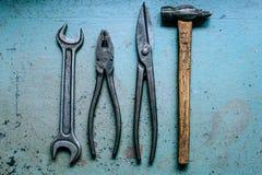 Herramientas sucias viejas de los martillos Imagen de archivo libre de regalías