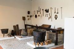 Herramientas viejas de los trabajos sicilianos de los campesinos imágenes de archivo libres de regalías