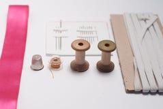 Herramientas y accesorios de costura fotos de archivo