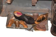 Herramientas y accesorios del zapatero Imagen de archivo