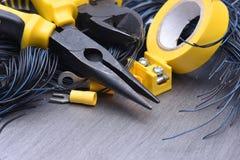 Herramientas y accesorios eléctricos de la instalación Fotografía de archivo libre de regalías