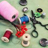 Herramientas y accesorios para la costura Fotografía de archivo