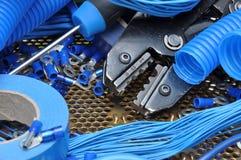 Herramientas y componente para la instalación eléctrica Imágenes de archivo libres de regalías