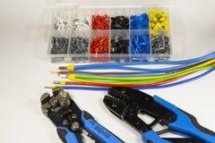 Herramientas y materiales para el electricista imagenes de archivo